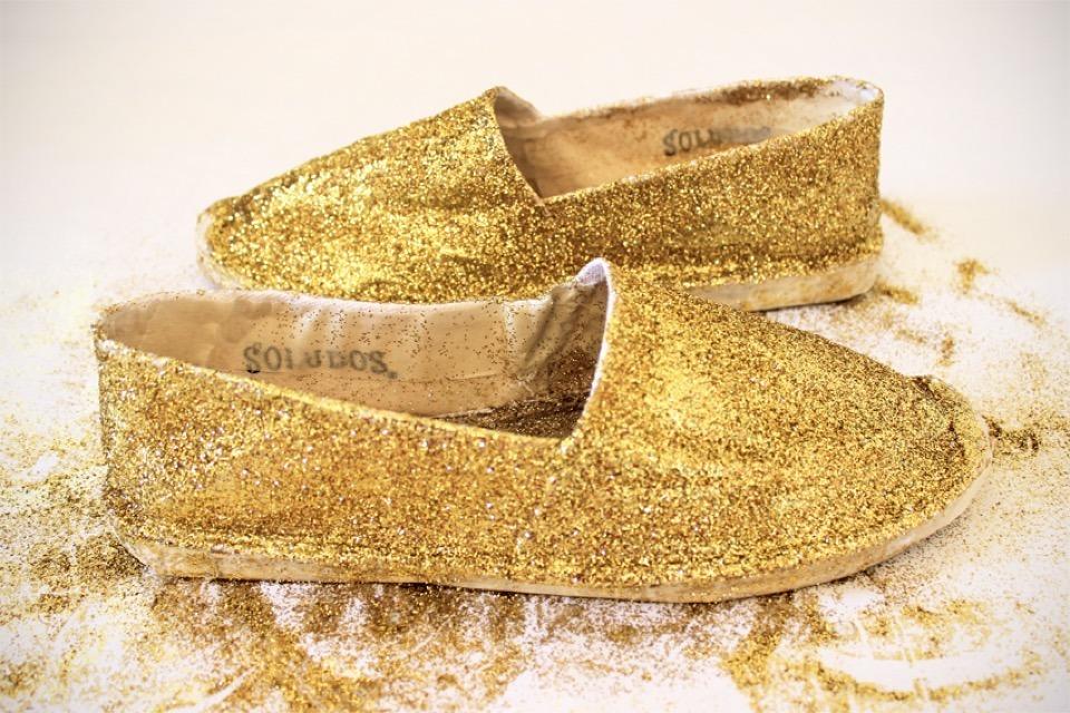 DIY: Glittery Espadrilles