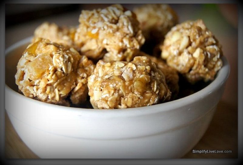 Power Food for Sport: Peanutbutter granola-balls