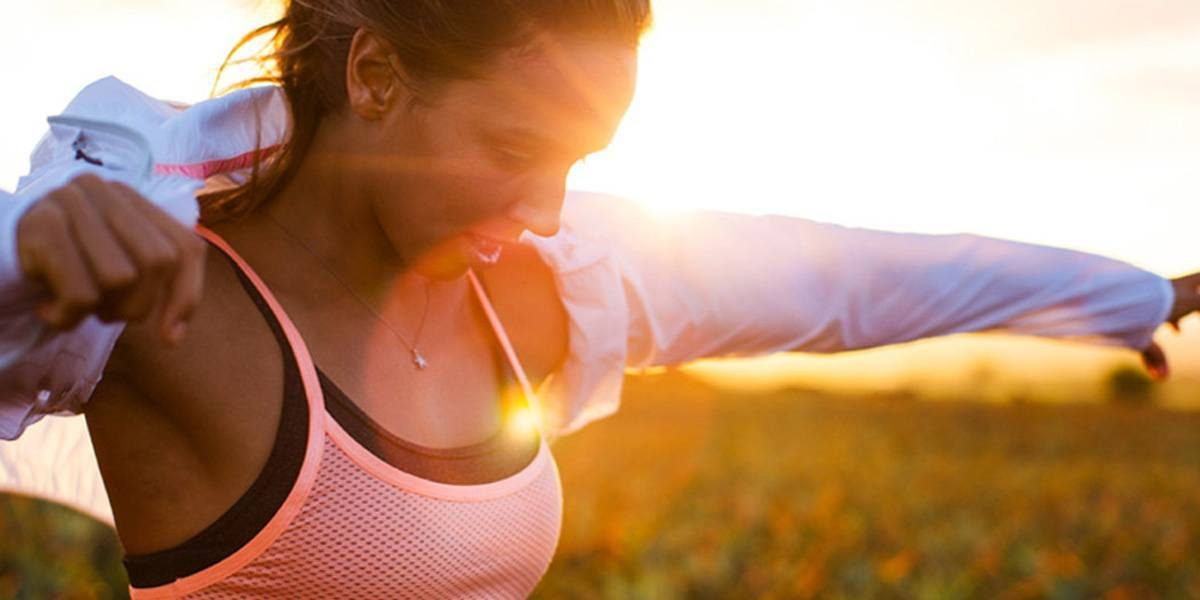 5 Reasons Why You Should Wear a Sports Bra For Kiting