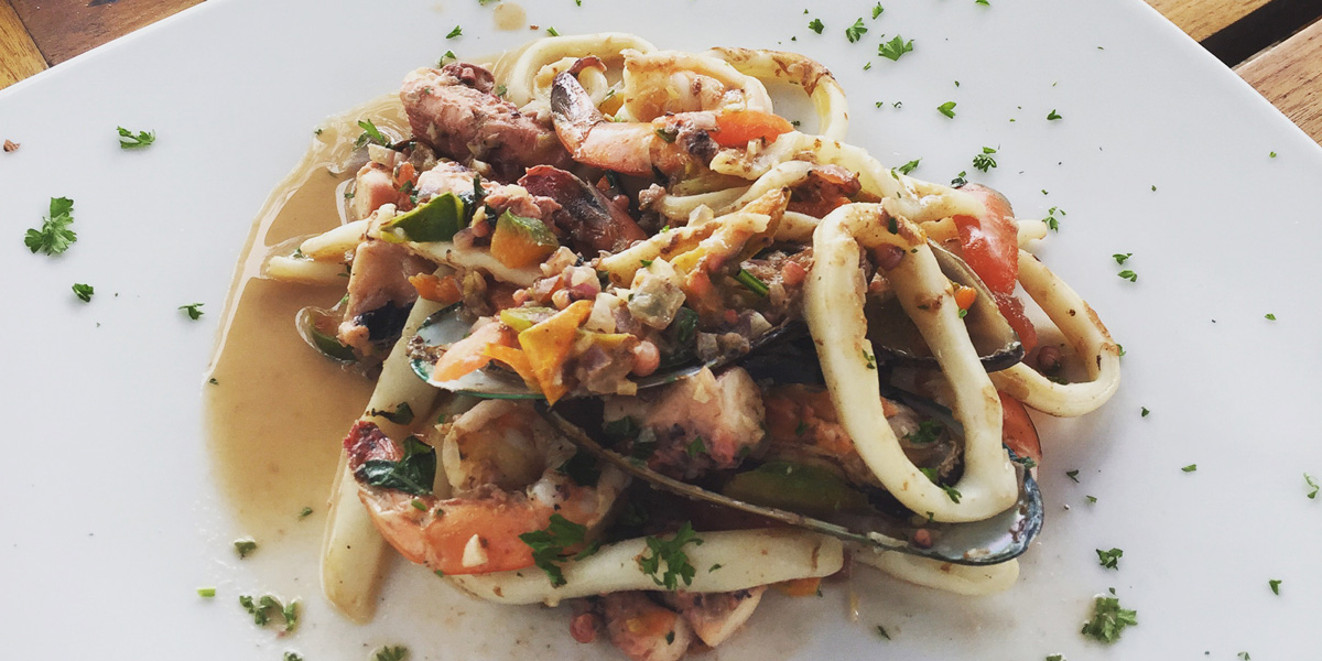 Seafood_platter_salad_hive
