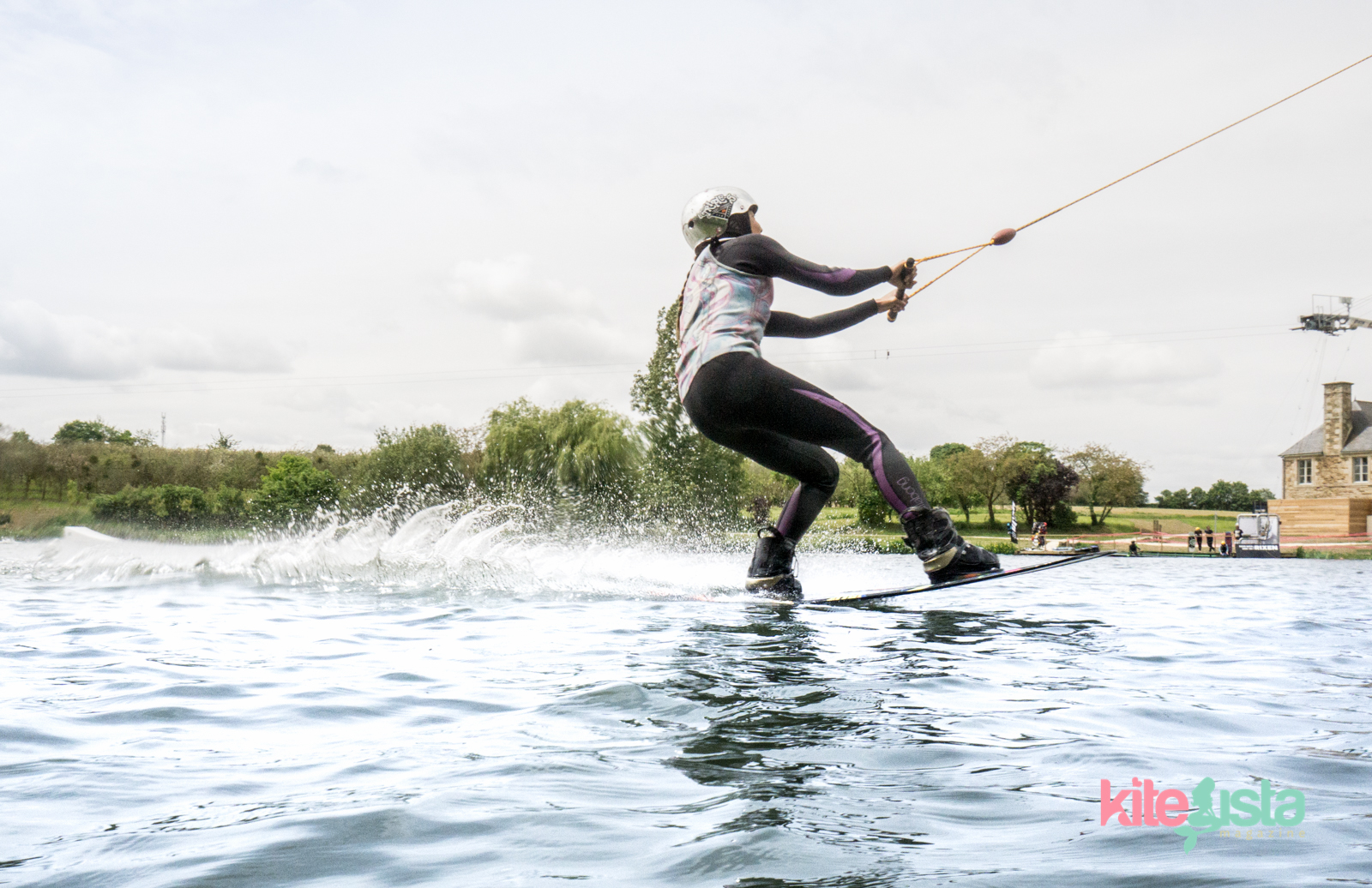 Taking Corners at the cable Park - KiteSista