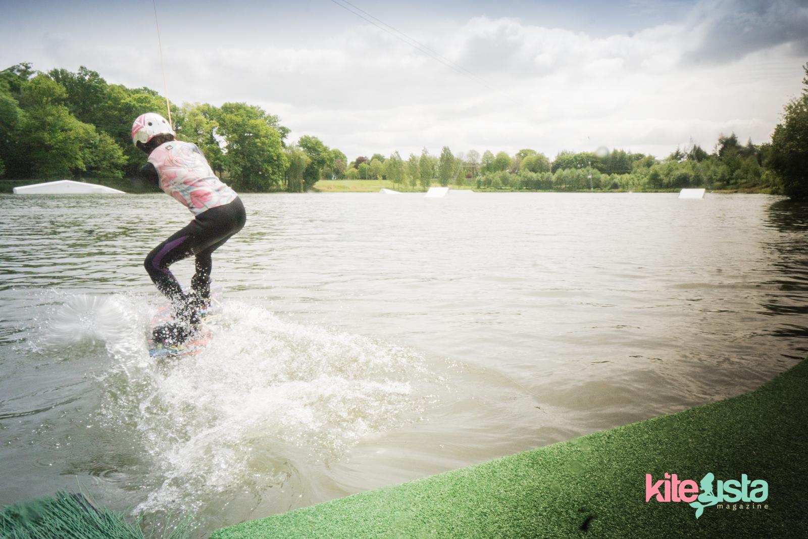 Wakeboard tutorial Seating start - KiteSista