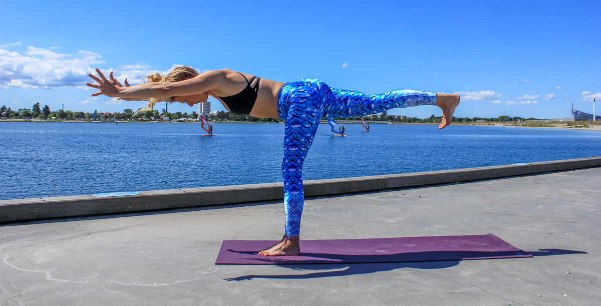 10 Beneficial Yoga Poses for Kiteboarders by Emely Freja