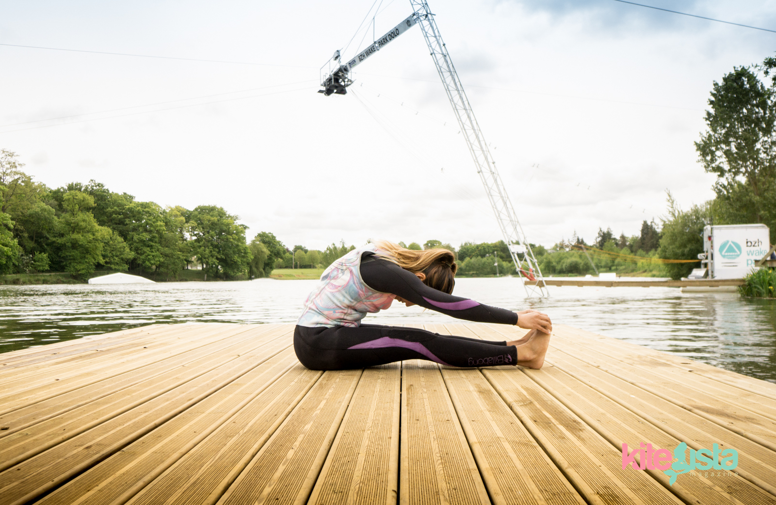 How to Stretch for wakeboarding - Paula Rosales