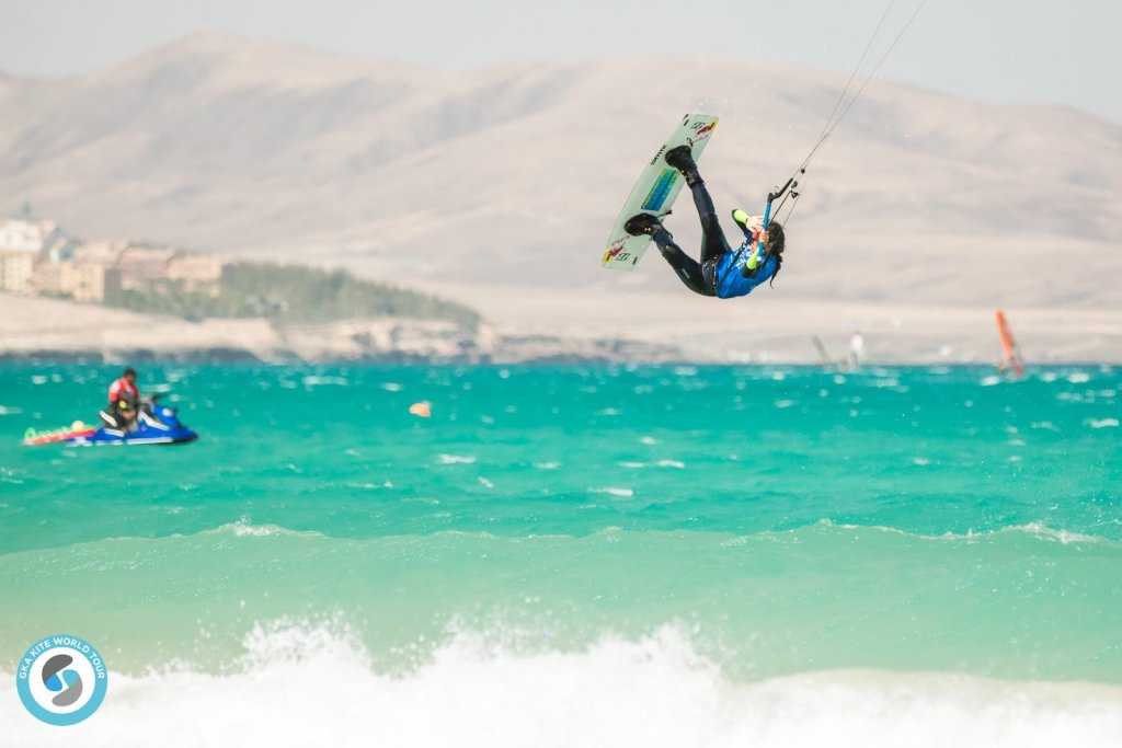 Bruna-Kajiya-GKA-Freestyle-World-Cup-Fuerteventura-1024x683