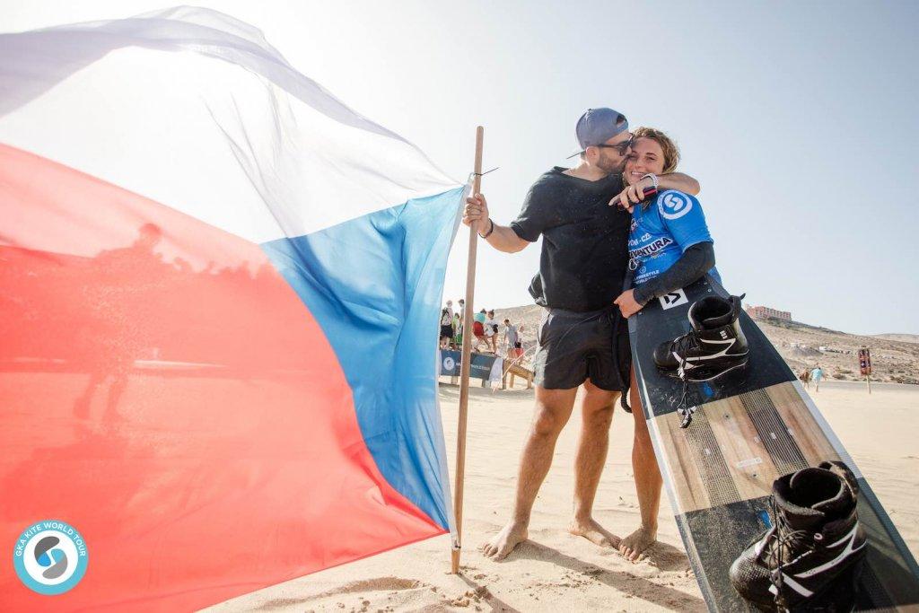 Paula-Novotna-GKA-Freestyle-World-Cup-Fuerteventura-1024x683